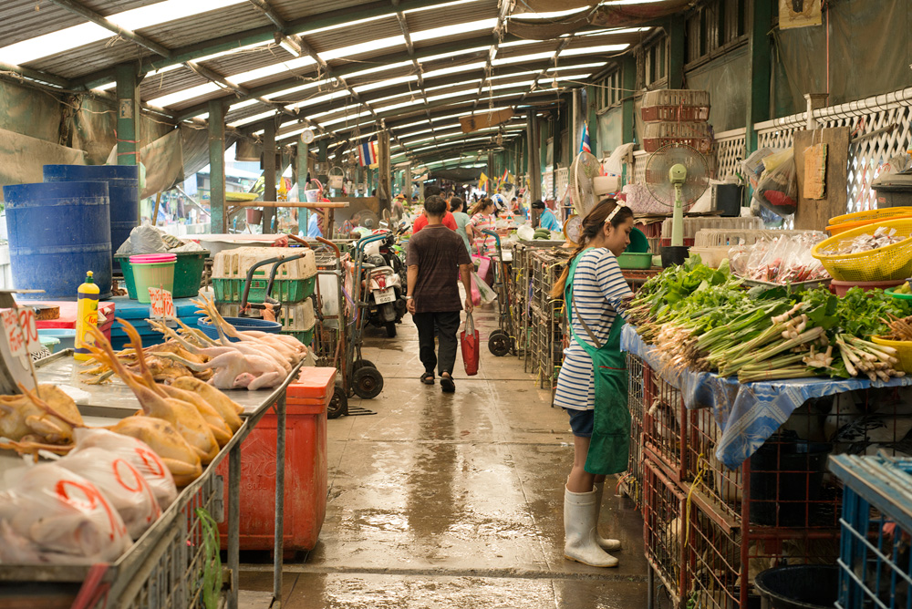 10 neighborhood klong toei wet market