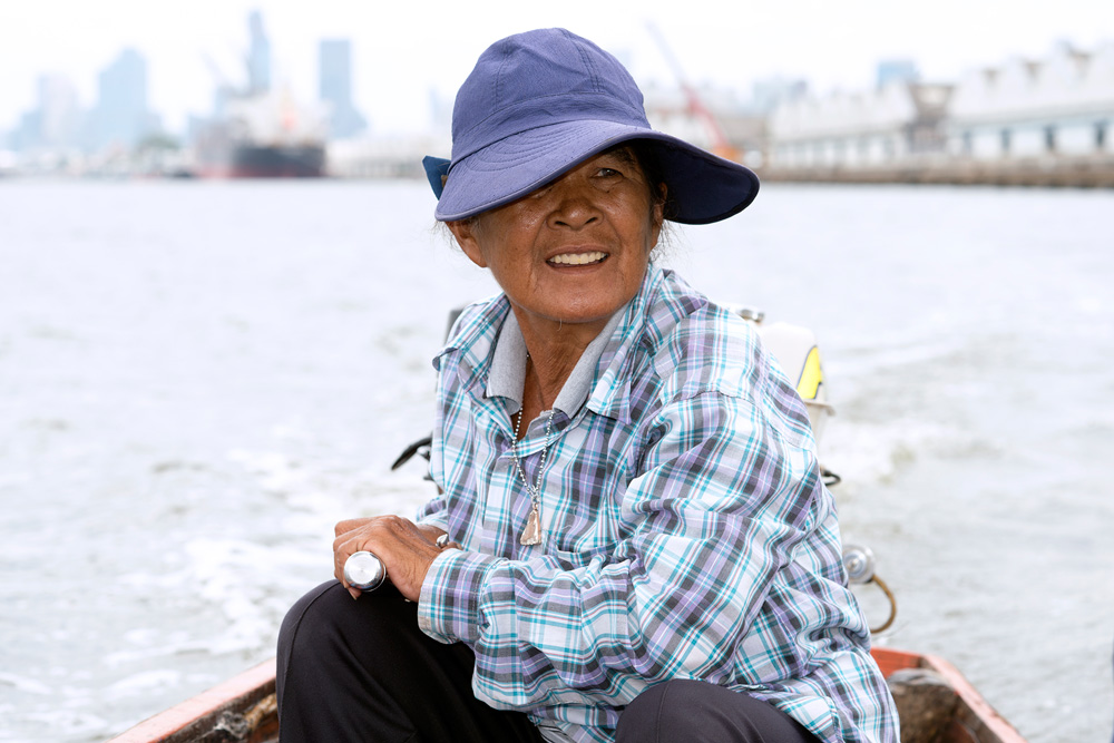 3 neighborhood klong toei woman