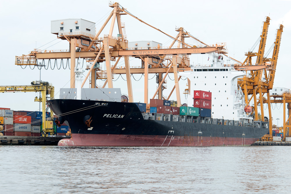 4 neighborhood klong toei cargo ship