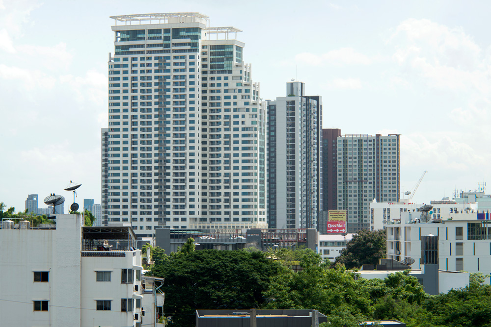 8 project skyline phra%20khanong