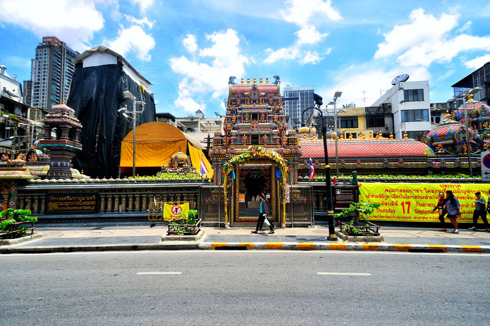 2 neighborhood silom sri maha mariamman temple