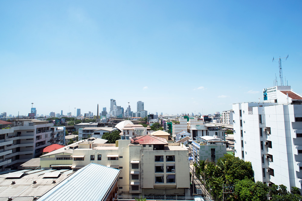 15 neighborhood victory monument skyline 6