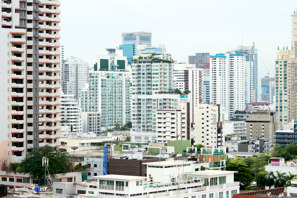 11 neighborhood phrom pong skyline
