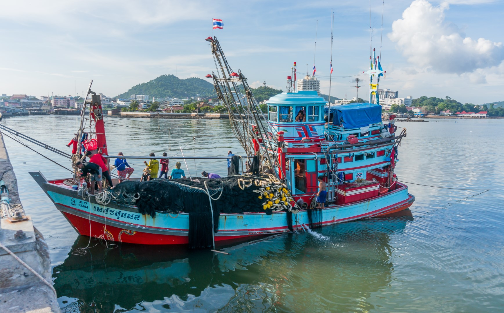 neighborhood jomtien fishing boat