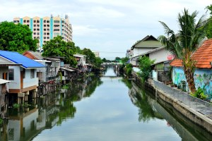 Neighborhood Lak Si