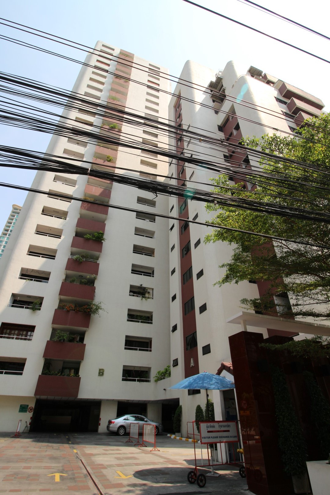 Bangkok Residential Agency's 3 Bed Condo For Rent in Asoke BR1973CD 2