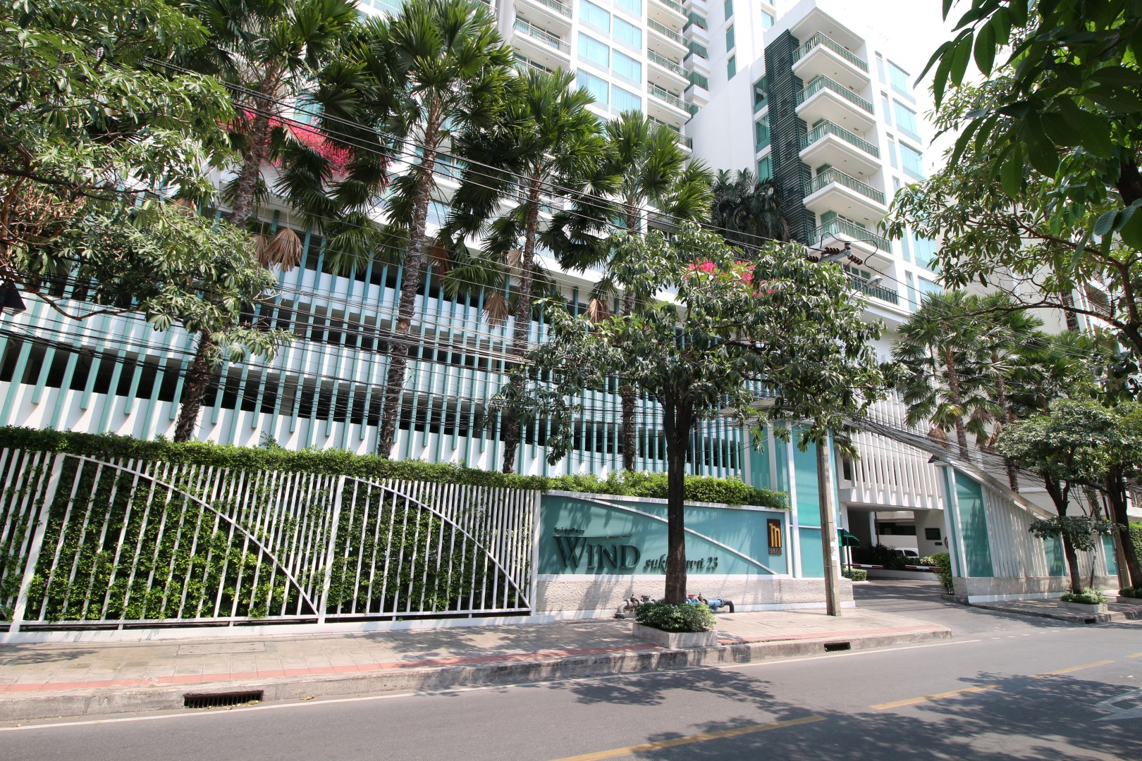 Bangkok Residential Agency's 3 Bed Condo For Rent in Asoke BR5857CD 1