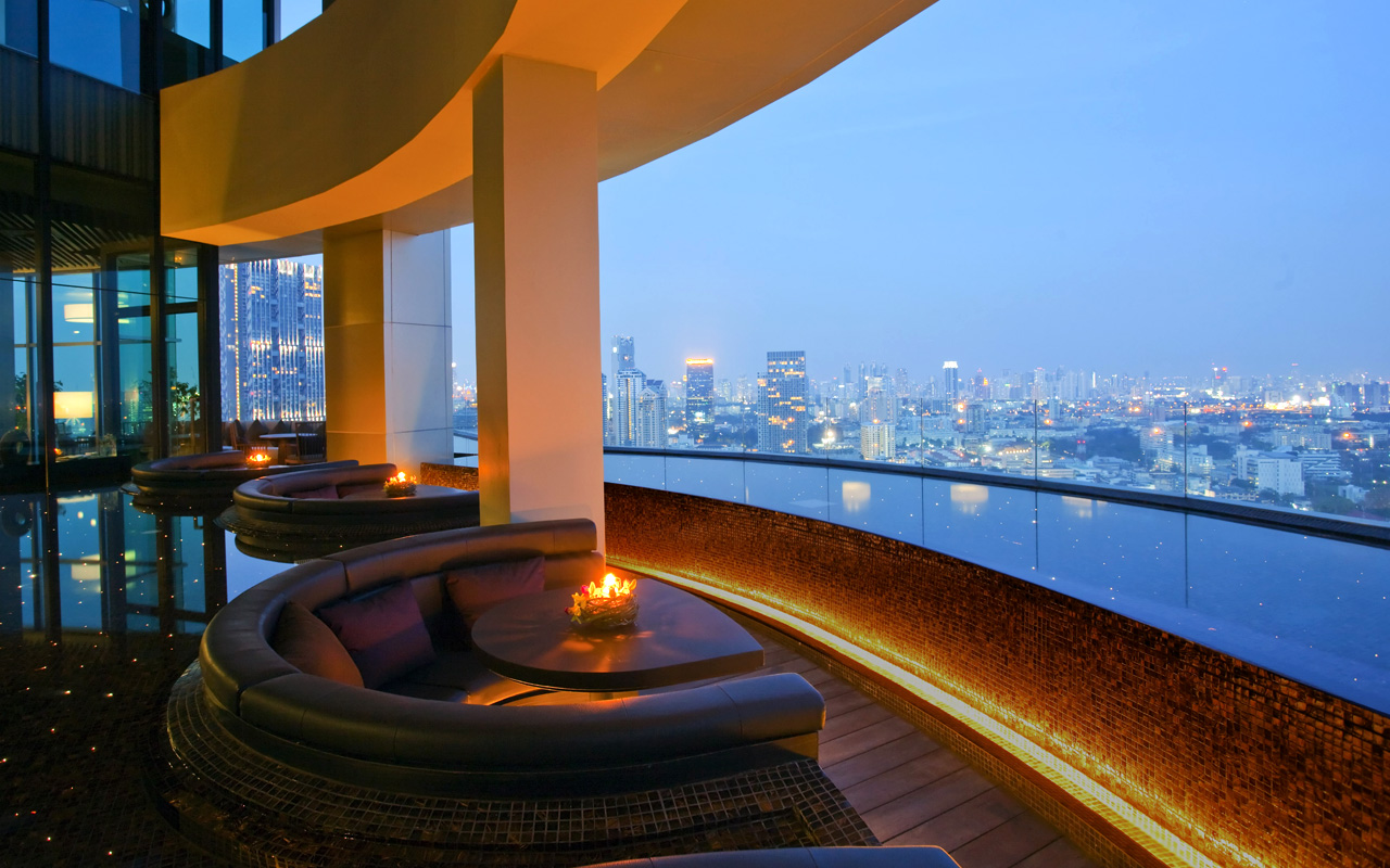 sathorn%20heritage%20 roof%20top%20lounge