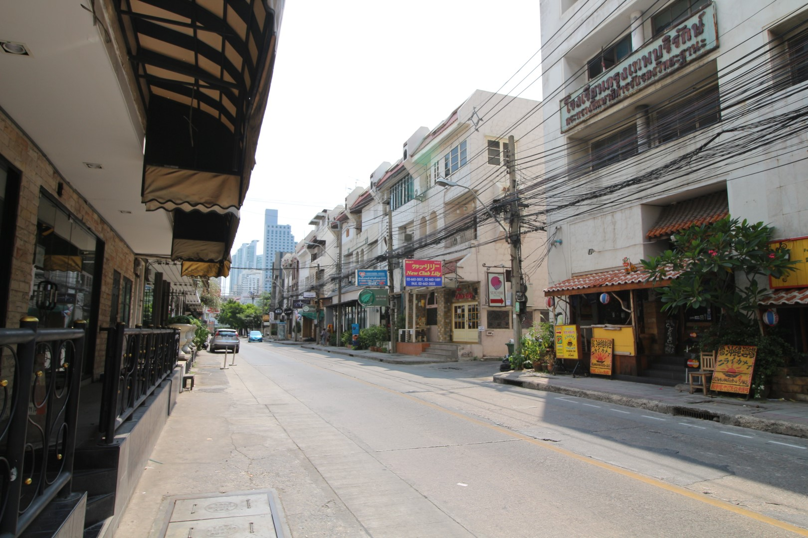 Bangkok Residential Agency's 3 Bed Condo For Rent in Asoke BR2995CD 5