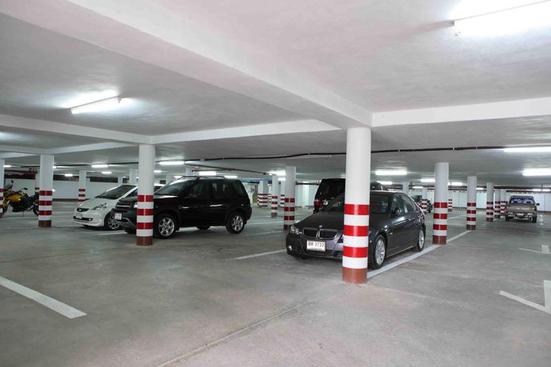 esmeralda car park