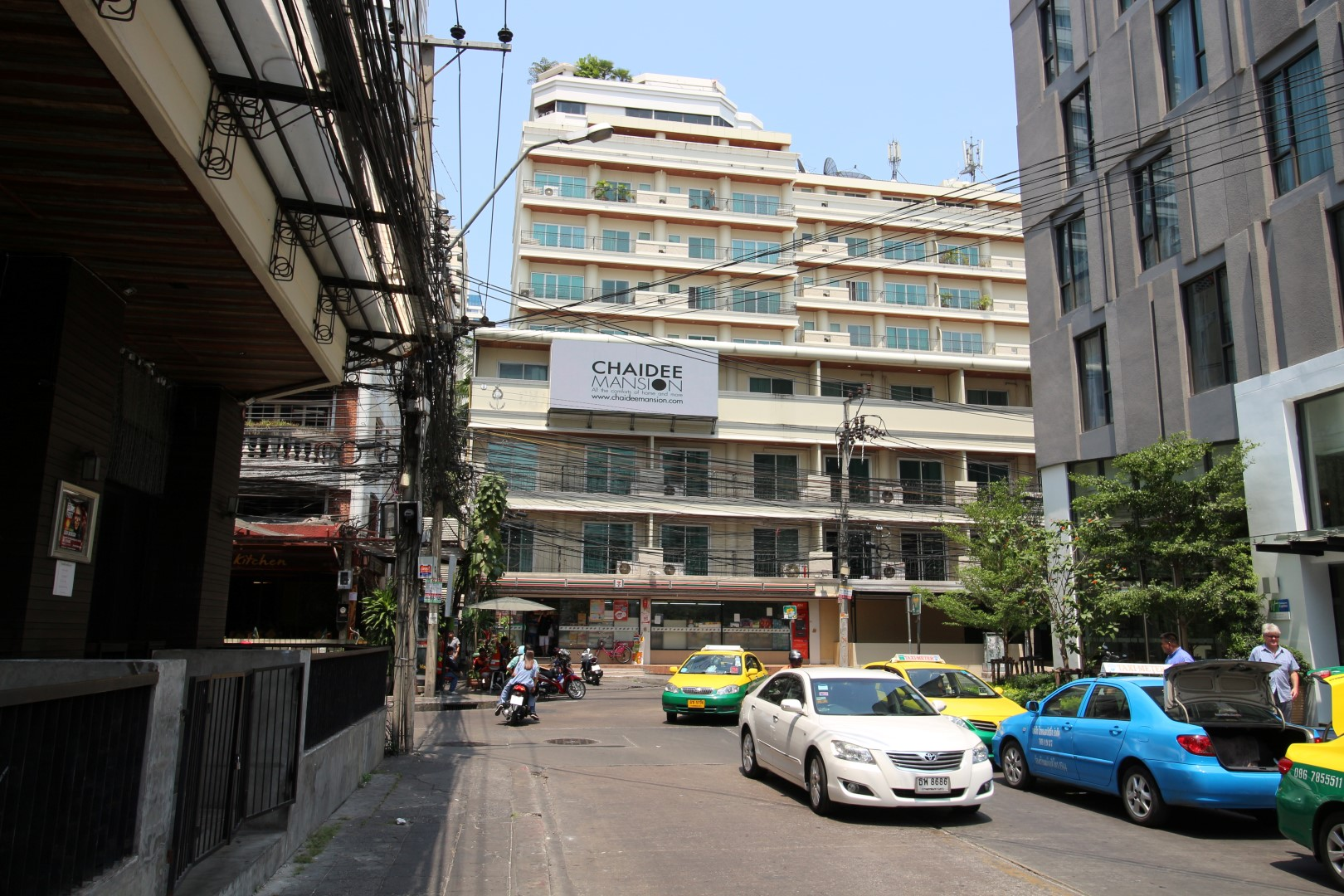 chaidee mansion sukhumvit 11