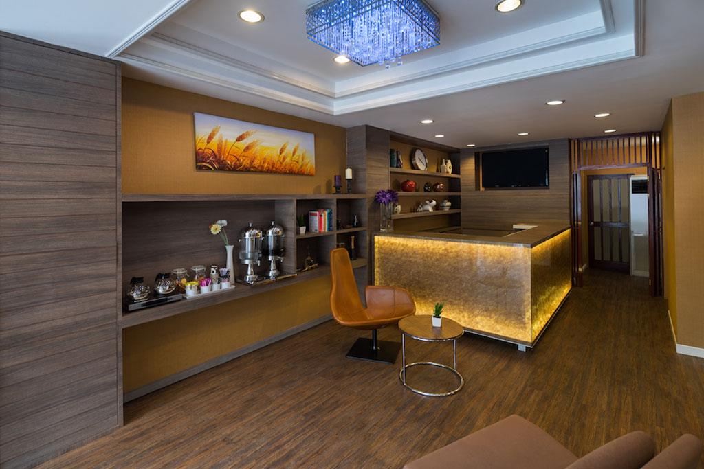 ton aor place lobby bar 1