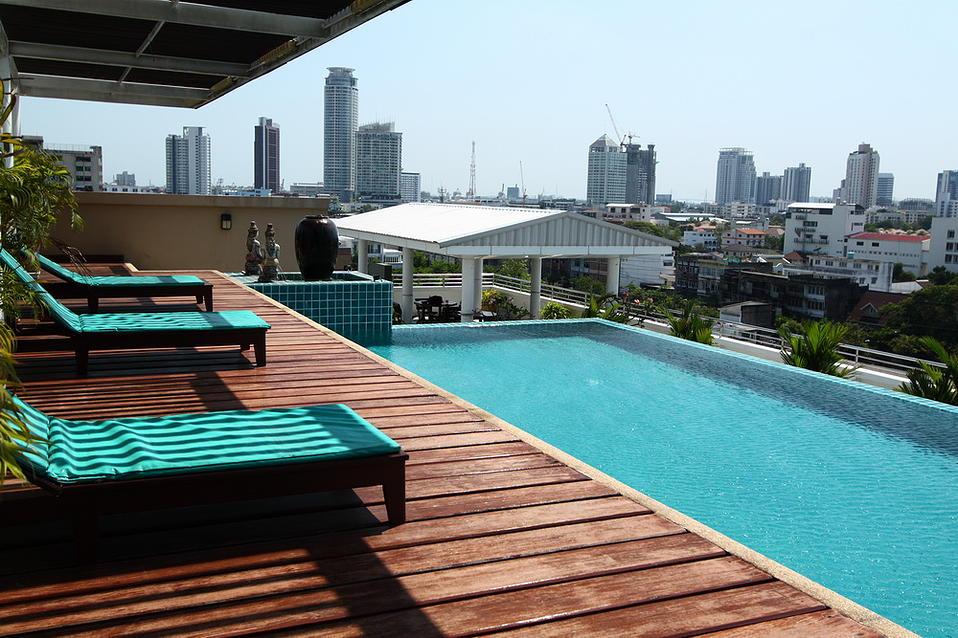 sarin suites facilities pool 1