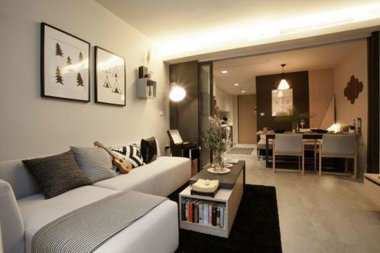 8)%20modern%20styled%20living%20room.jpg