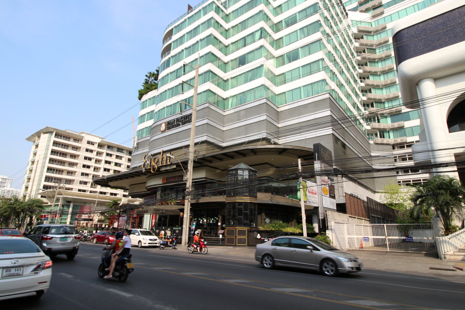 eight thonglor sukhumvit 55 3
