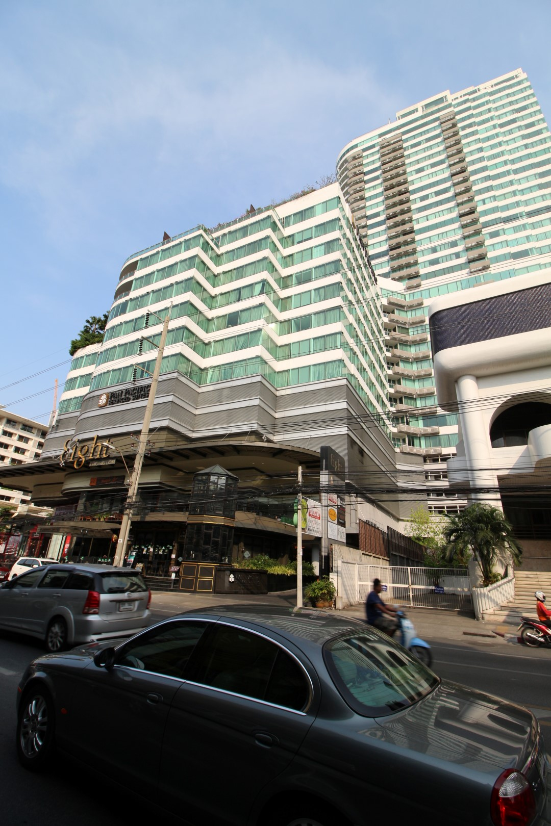 eight thonglor sukhumvit 55 4