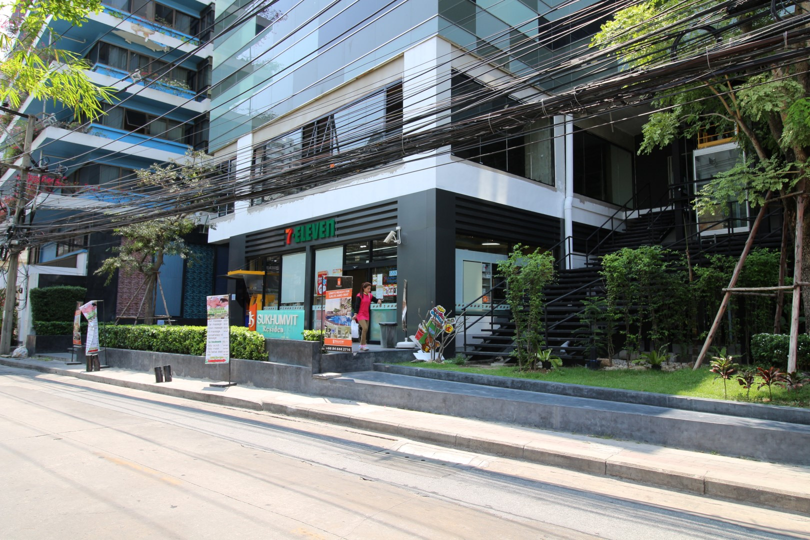 The One Residence Agency's Condo for Rent 2 Bedrooms 65 SQM. at 15 Sukhumvit Residences 2
