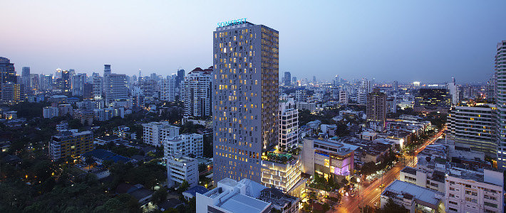 somerset%20thonglor%20-%20building%20night.jpg