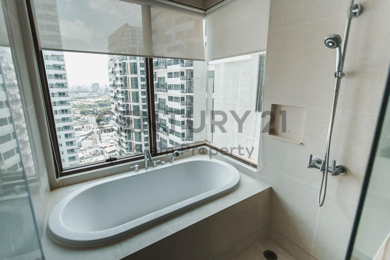 Century21 Siam Property Agency's The Emporio Place 16