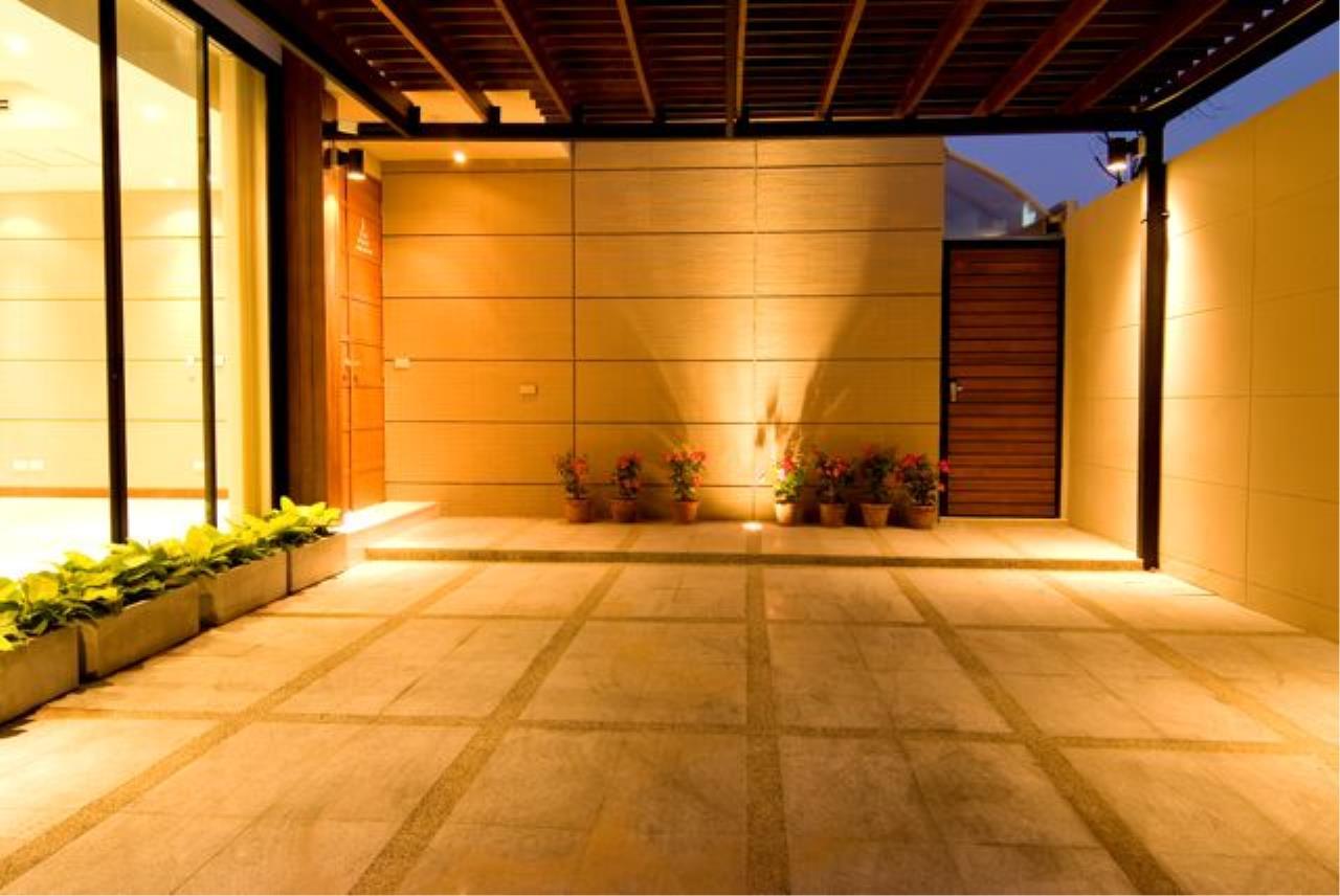 Bright Condos Agency's Single House Sukhumvit 34 6