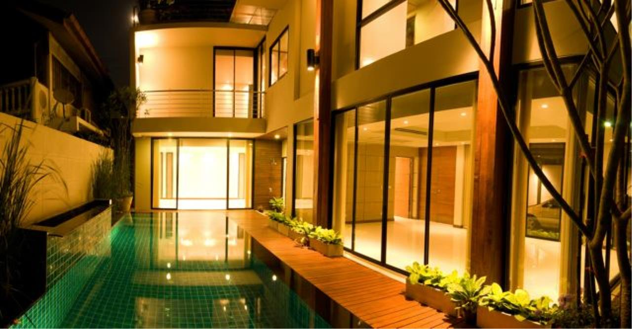 Bright Condos Agency's Single House Sukhumvit 34 2