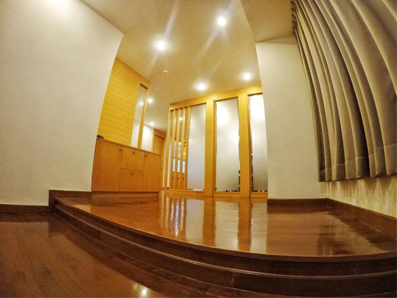 Bright Condos Agency's Acadamia Grand Tower 5