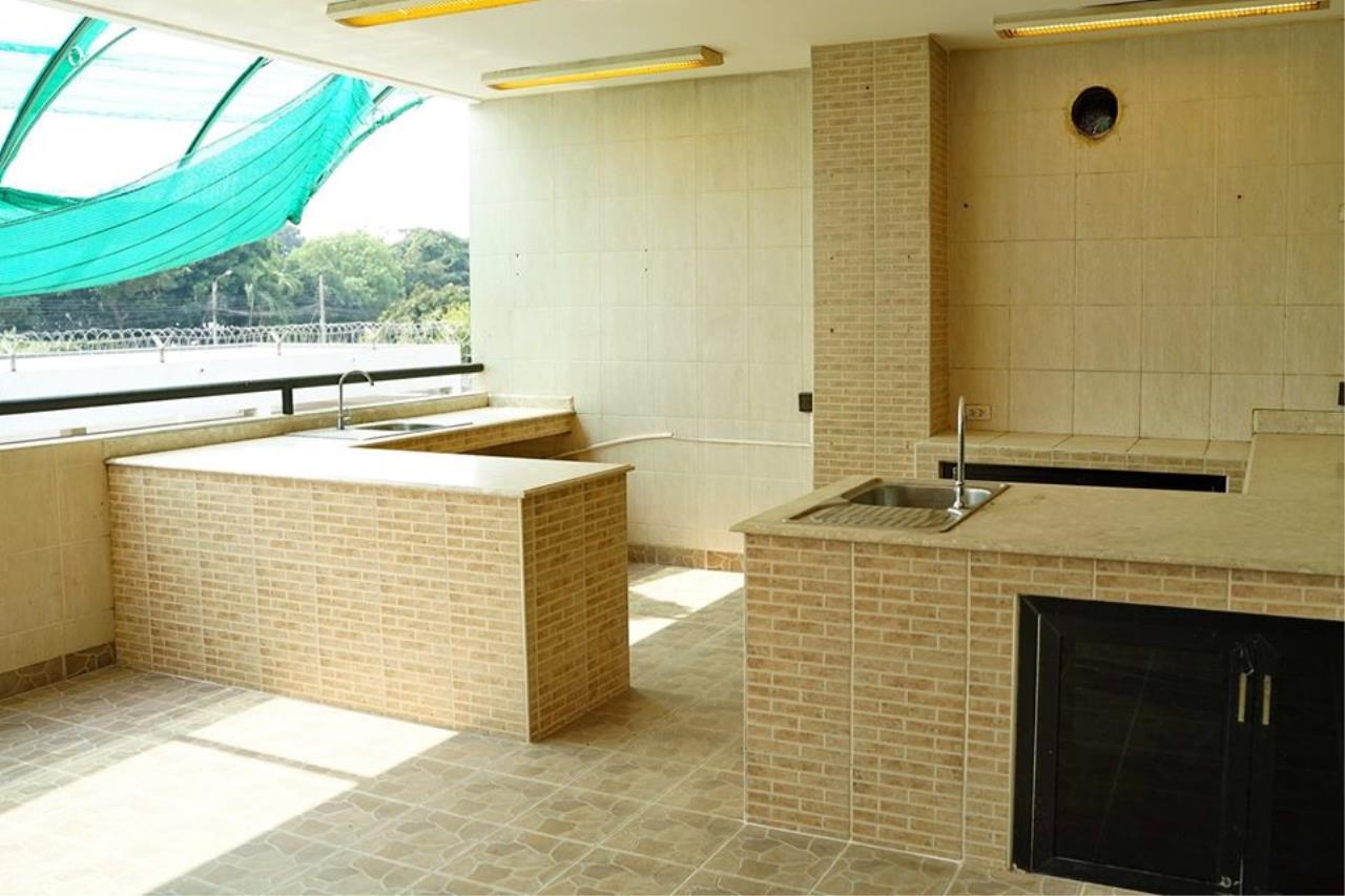 Bright Condos Agency's HOME OFFICE Srinakarin 9