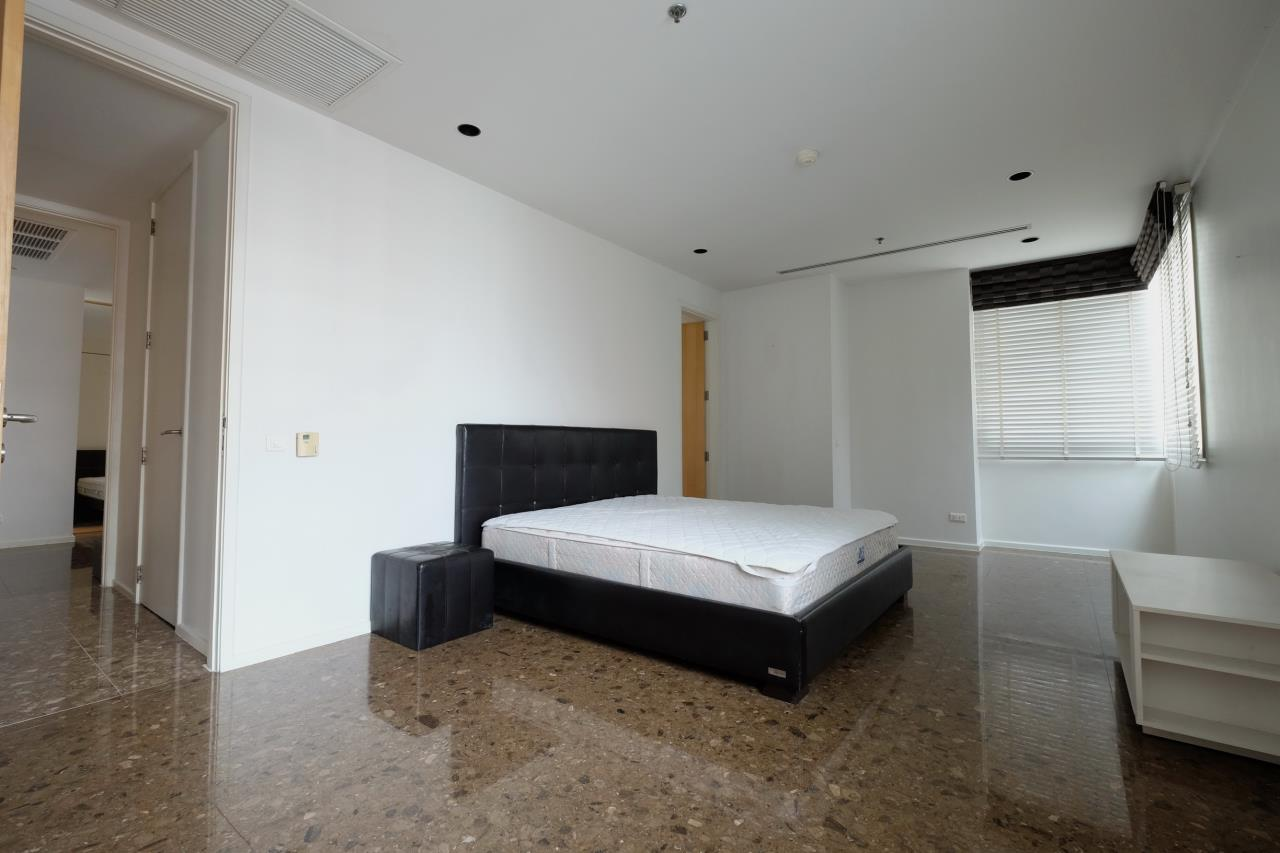 RE/MAX CASA Agency's Condo for rent At The Legend Saladeang 18