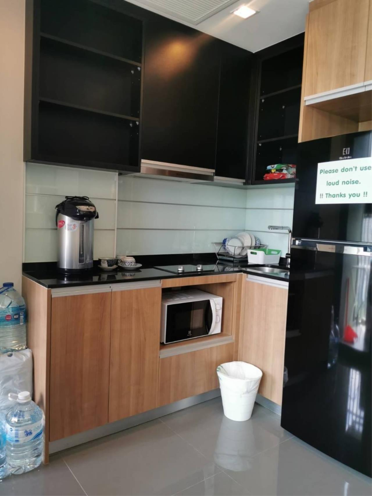Agent - Aiyarat Agency's for rent wish signature 34 sqm 31fl nice view 5