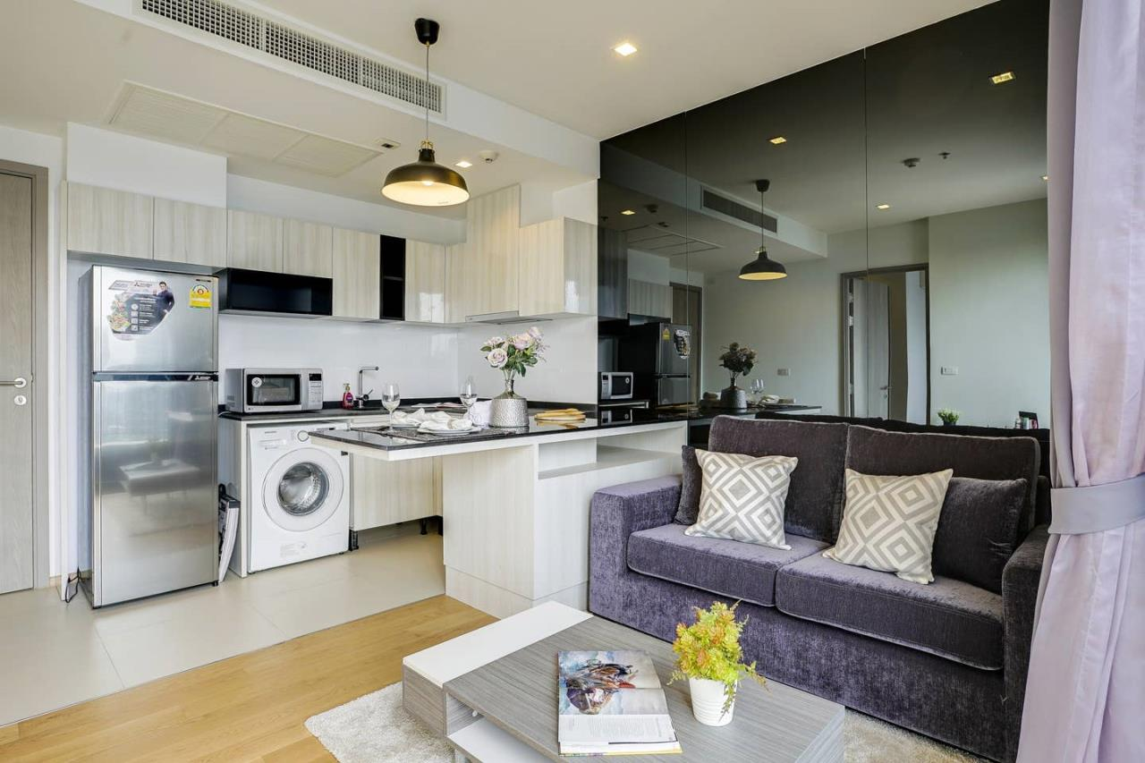 Hostmaker Bangkok Agency's Gorgeous 1bed1Bath in condo HQ by Sansiri 1