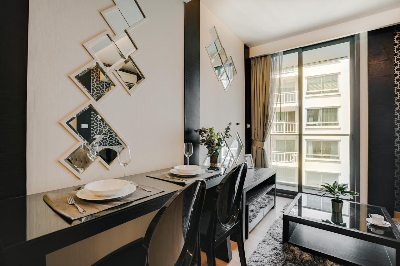 Hostmaker Bangkok Agency's Charming 1 Bed Apt w/ Balcony in Via 49 Condo 11