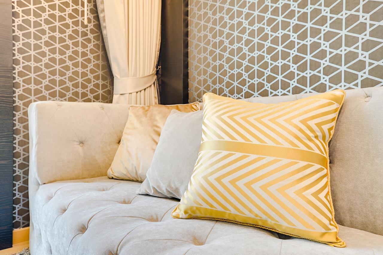 Hostmaker Bangkok Agency's Charming 1 Bed Apt w/ Balcony in Via 49 Condo 6