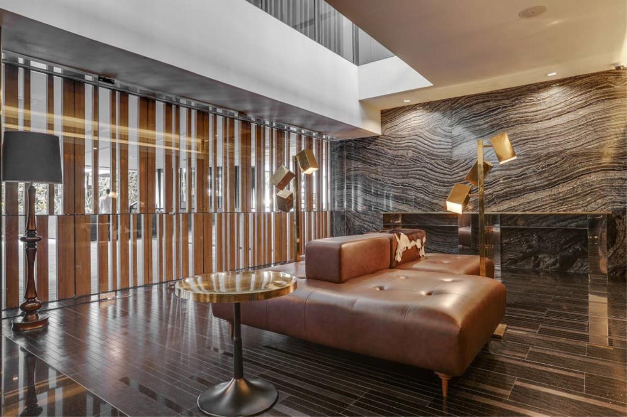 Hostmaker Bangkok Agency's Charming 1 Bed Apt w/ Balcony in Via 49 Condo 34