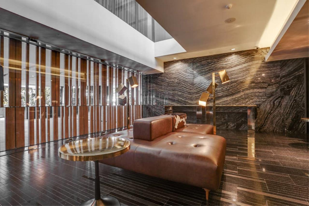 Hostmaker Bangkok Agency's Charming 1 Bed Apt w/ Balcony in Via 49 Condo 35