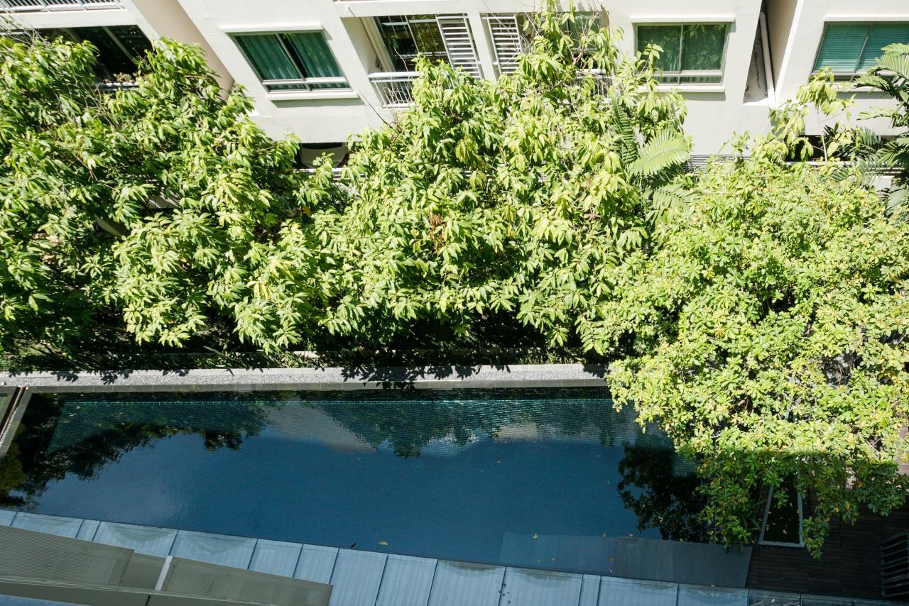 Hostmaker Bangkok Agency's Charming 1 Bed Apt w/ Balcony in Via 49 Condo 29
