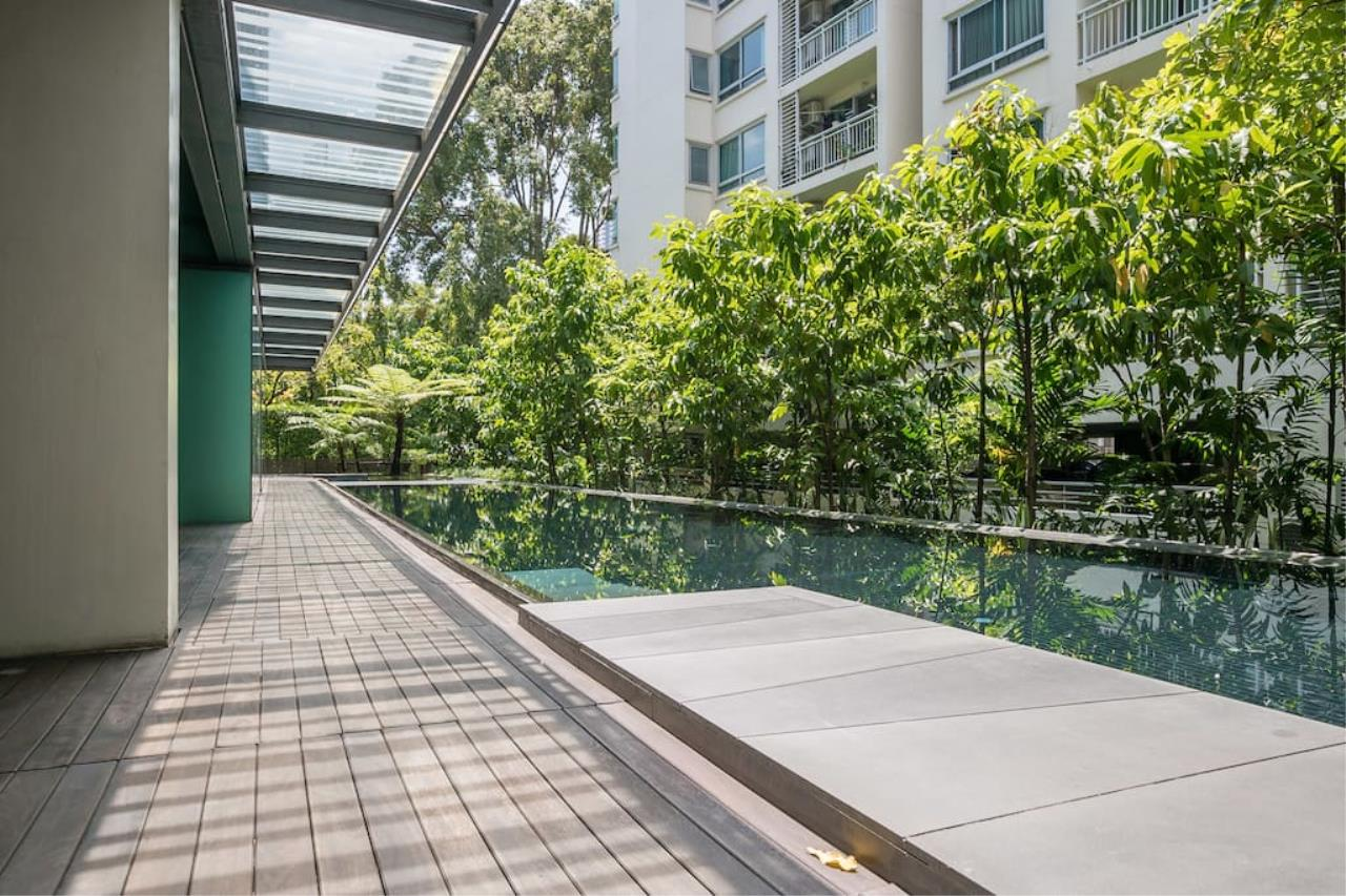 Hostmaker Bangkok Agency's Charming 1 Bed Apt w/ Balcony in Via 49 Condo 27