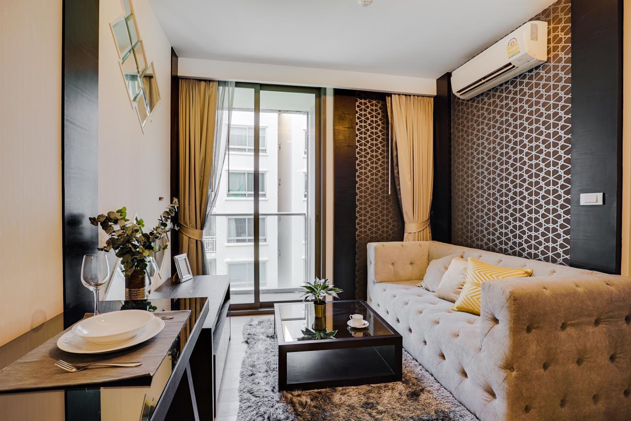 Hostmaker Bangkok Agency's Charming 1 Bed Apt w/ Balcony in Via 49 Condo 10