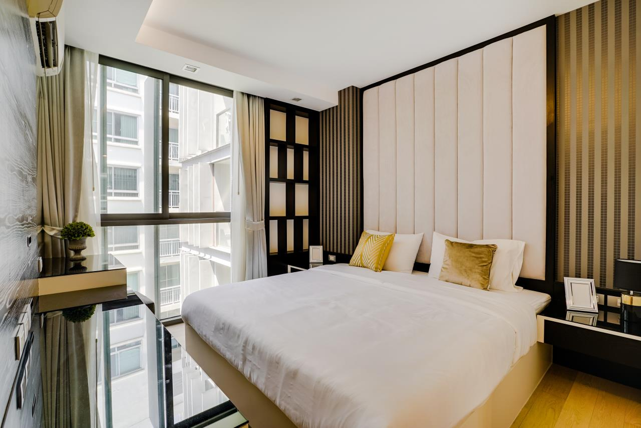 Hostmaker Bangkok Agency's Charming 1 Bed Apt w/ Balcony in Via 49 Condo 1