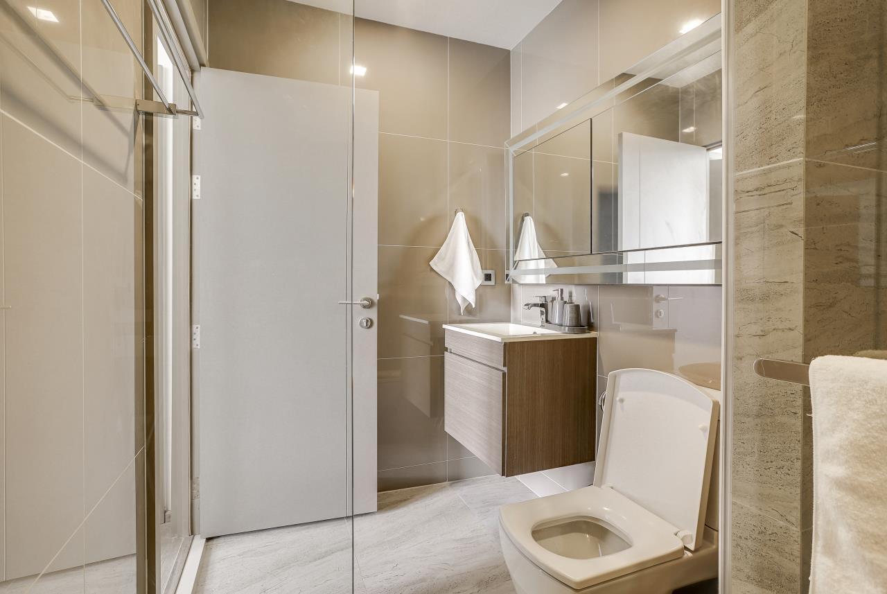 Hostmaker Bangkok Agency's Modern & Cozy 1 Bed 1 Bath Condo in the lovely Phra Khanong Neighborhood 17