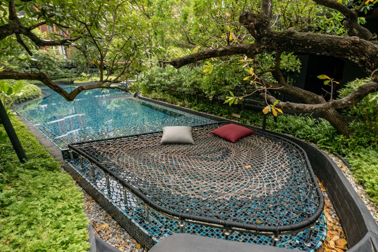 Hostmaker Bangkok Agency's Stunning 1 Bed Apt w/ Balcony in Mori Haus Condo 2
