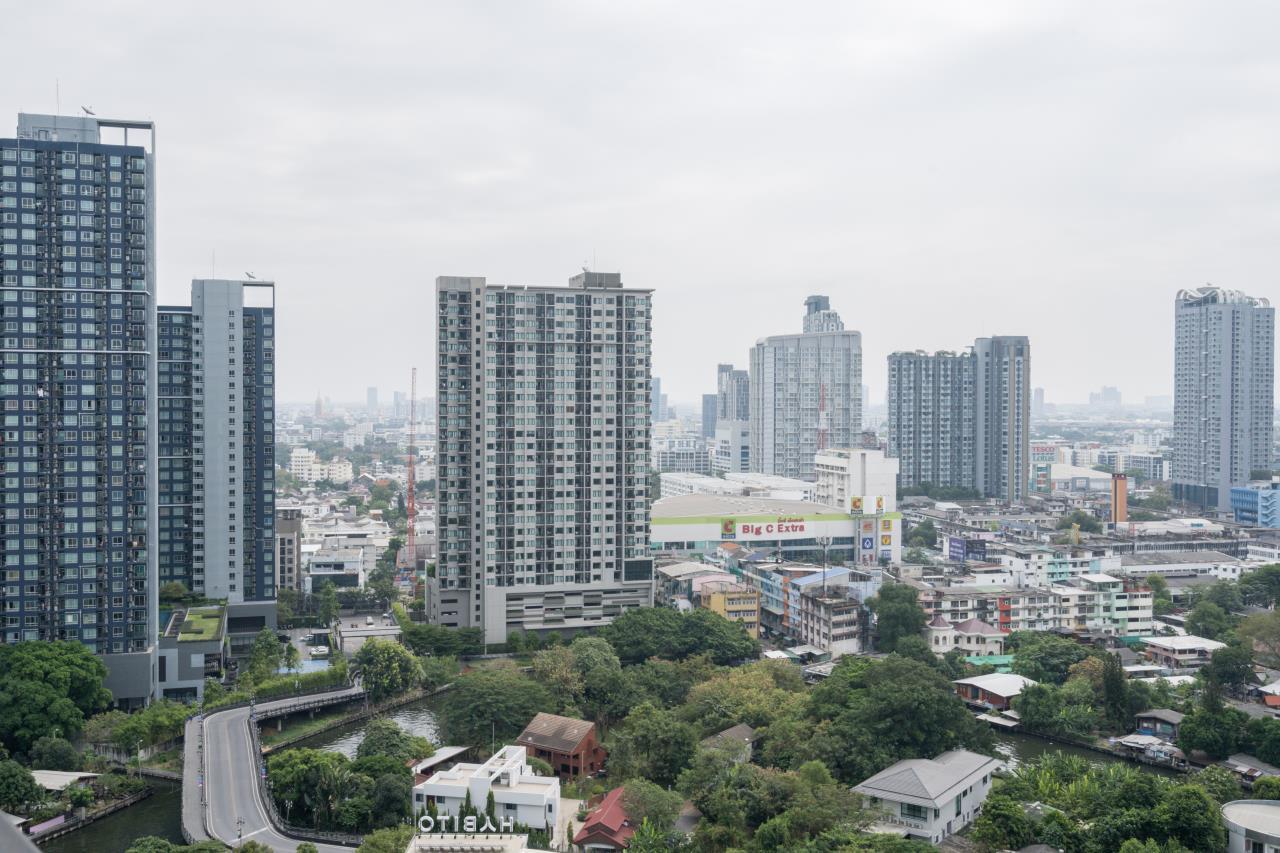 Hostmaker Bangkok Agency's Cosy 1bed w/Balcony in The Base Park East Condominium 24