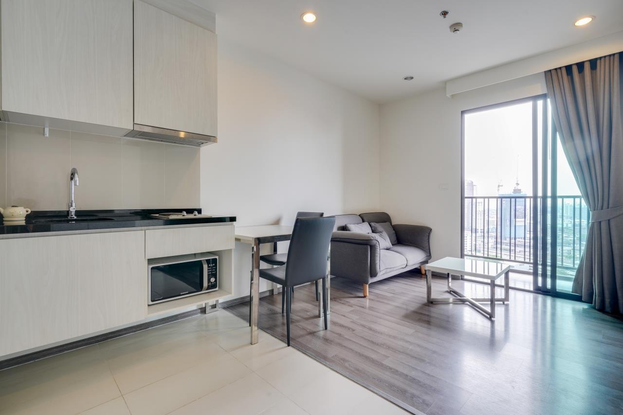 Hostmaker Bangkok Agency's Cosy 1bed w/Balcony in The Base Park East Condominium 4