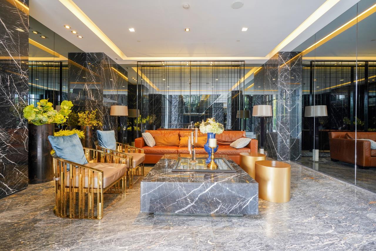 Hostmaker Bangkok Agency's Cosy 1bed w/Balcony in The Base Park East Condominium 33