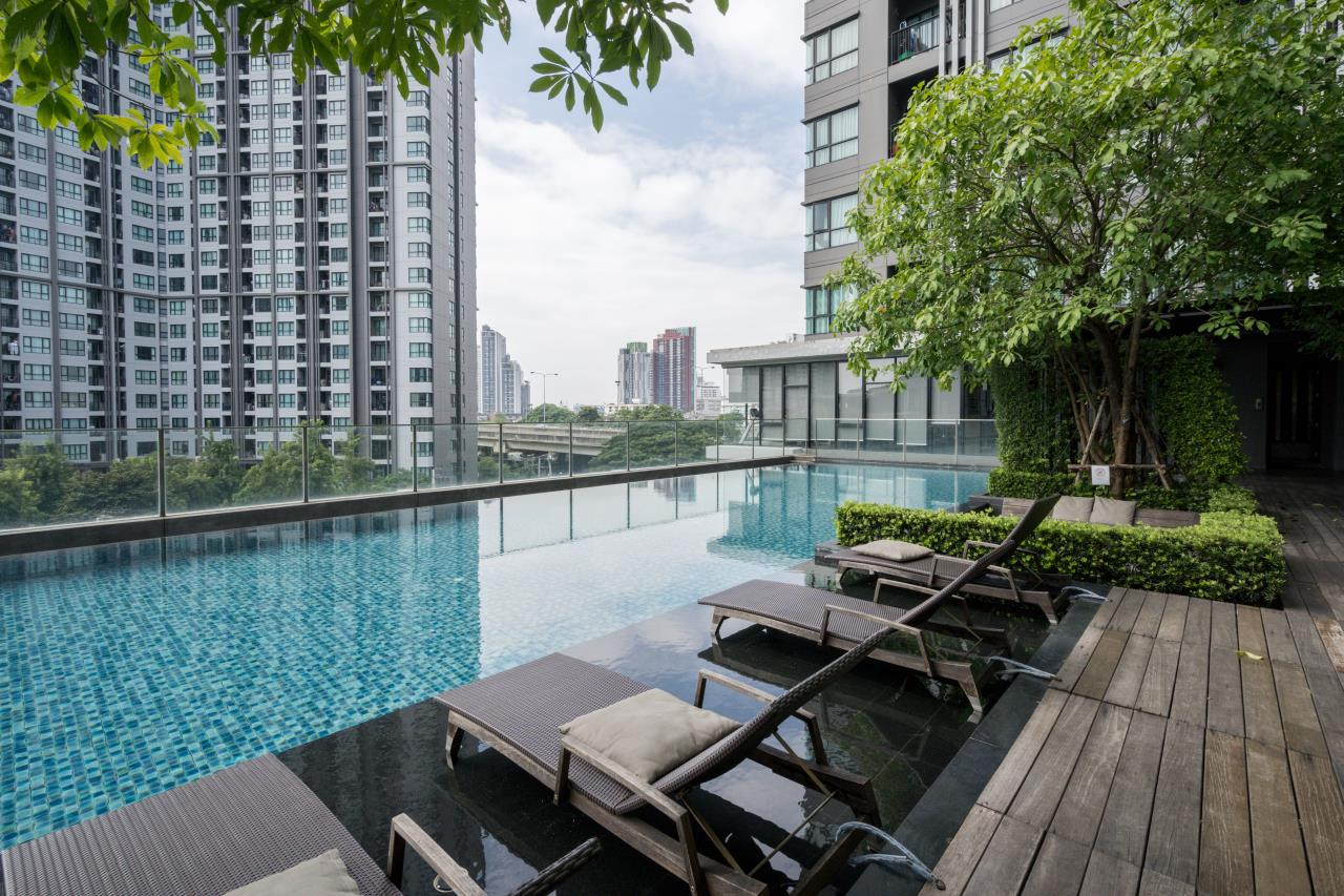 Hostmaker Bangkok Agency's Cosy 1bed w/Balcony in The Base Park East Condominium 3