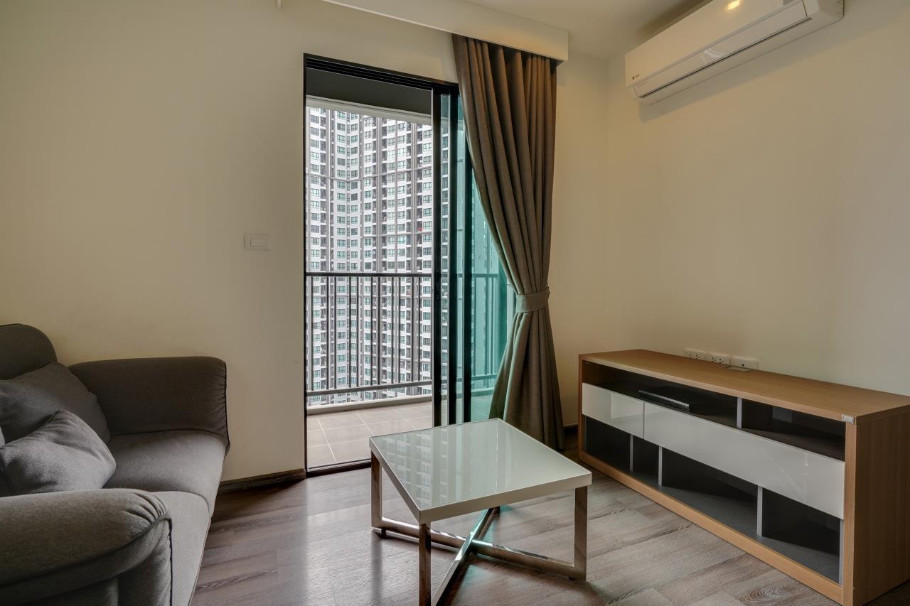 Hostmaker Bangkok Agency's Cosy 1bed w/Balcony in The Base Park East Condominium 5