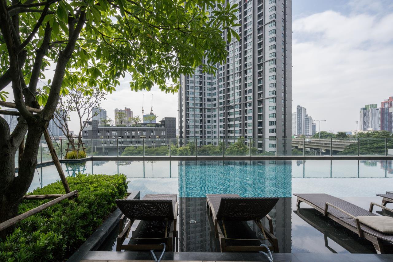 Hostmaker Bangkok Agency's Cosy 1bed w/Balcony in The Base Park East Condominium 38
