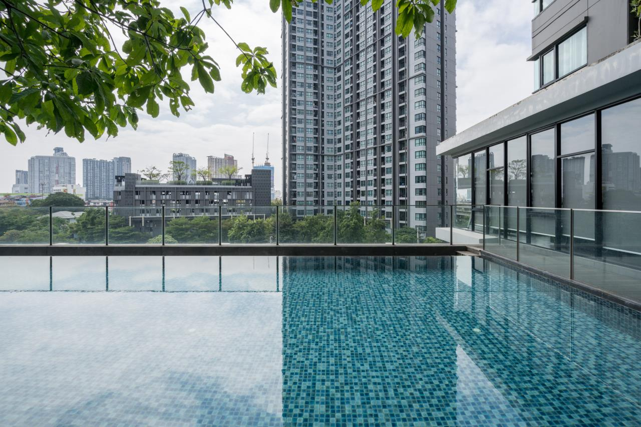 Hostmaker Bangkok Agency's Cosy 1bed w/Balcony in The Base Park East Condominium 39