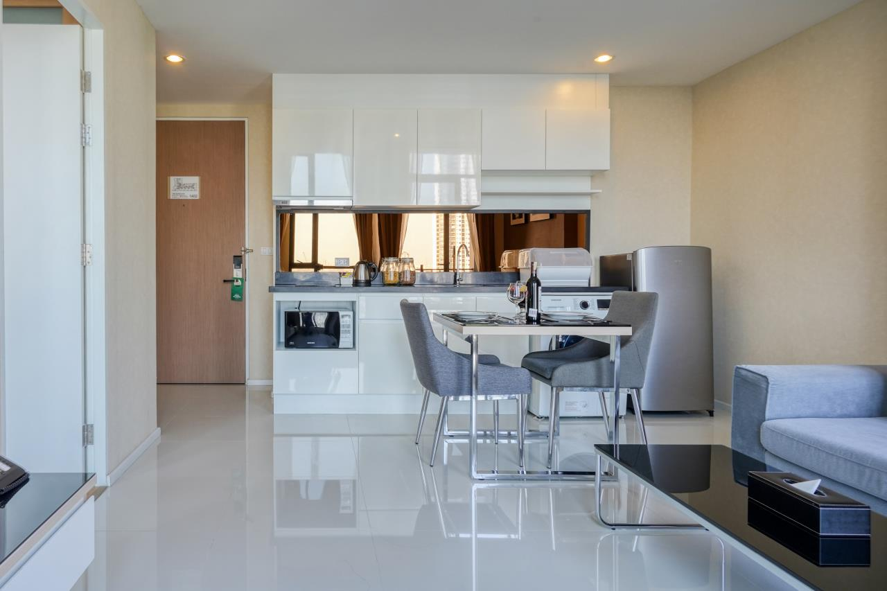 Hostmaker Bangkok Agency's Welcoming 1 Bed Apt in Movenpick Residences Ekkamai 12