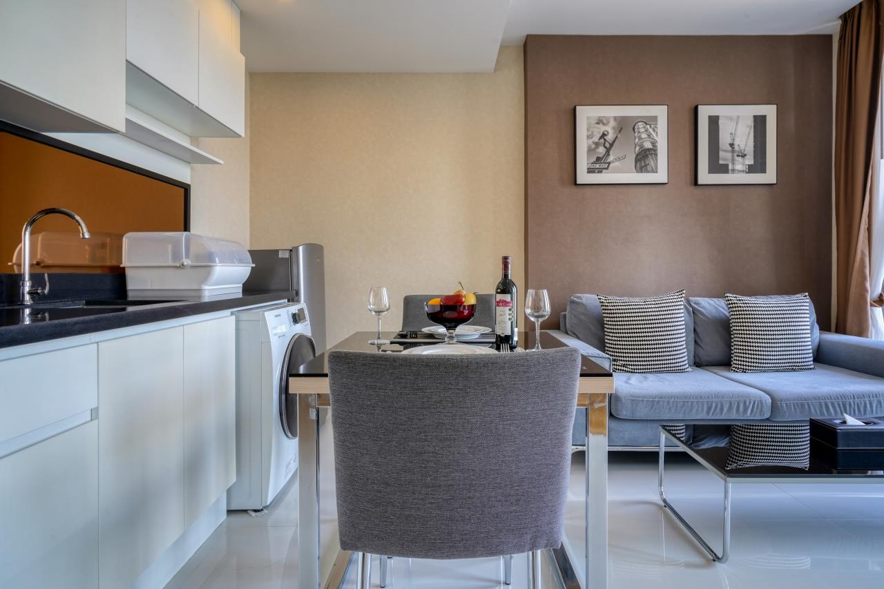 Hostmaker Bangkok Agency's Welcoming 1 Bed Apt in Movenpick Residences Ekkamai 14
