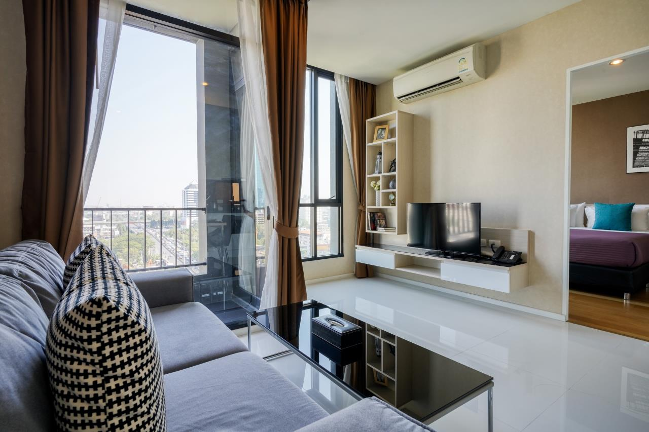 Hostmaker Bangkok Agency's Welcoming 1 Bed Apt in Movenpick Residences Ekkamai 8
